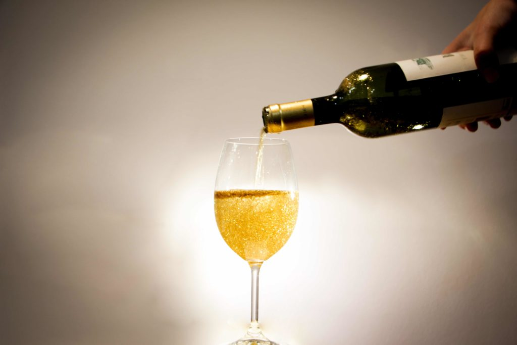 Víno se trpytkami?