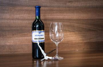 Jak otevřít lahev vína jako profík